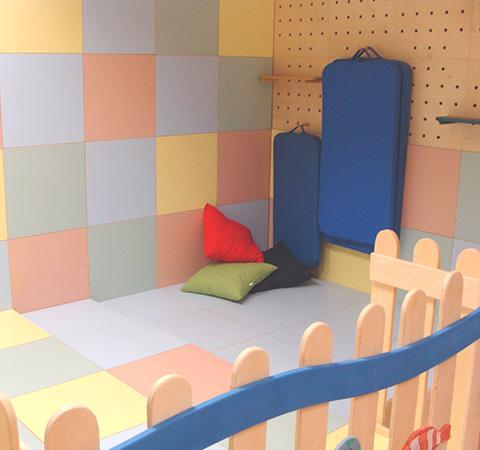 Arredi modulari per asilo scuola elementare e camerette for Arredi per scuole